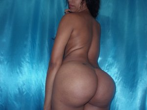 Esna escort girl in New Smyrna Beach