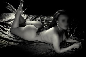 Nursena bombshell escorts Cary